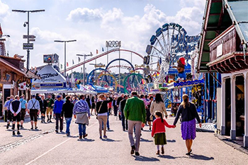 Photo of people in the Arkansas State Fair.