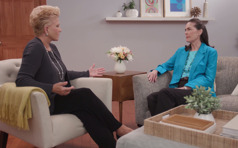 Joan Lunden interviewing Dr. Ann Albright