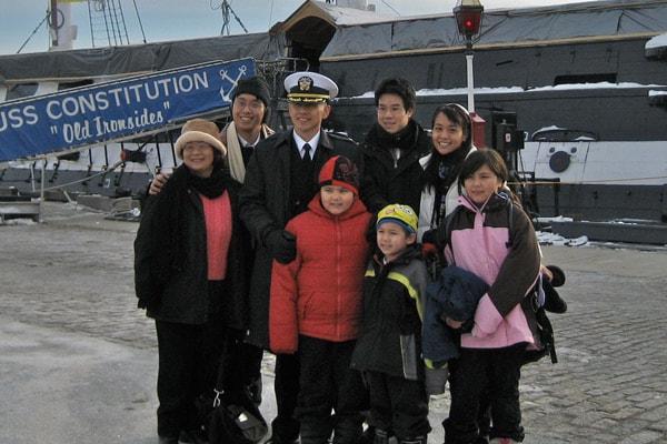 Trevor Lin y familia