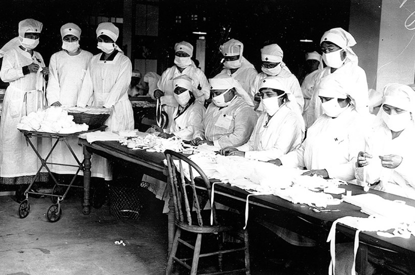 volunteers with masks 1918 flu in Boston, Camp Devens