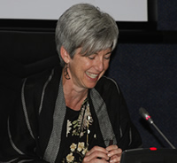 Dr Nancy Knight