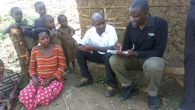Fellows conducting community interviews.