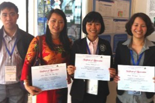 CDC Vietnam earns first prize on TB laboratory management poster presentation