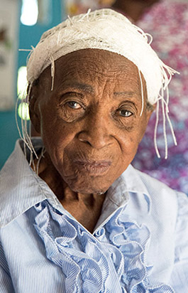 Elderly woman seeking treatment at local clinic. (Source: David Snyder/CDC Foundation)