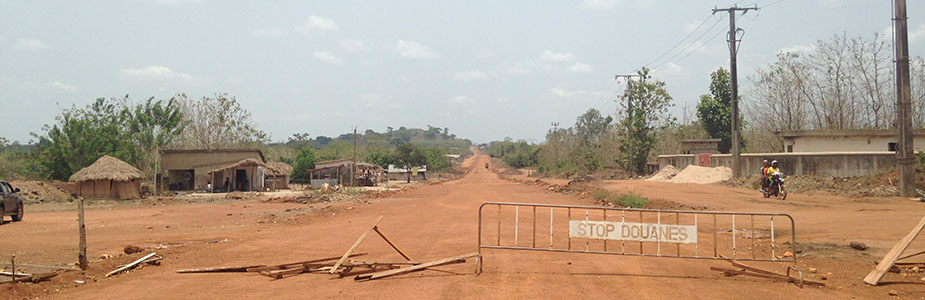 Ground crossing at Togo border post. Photo Courtesy: Tohoun Aplahoue