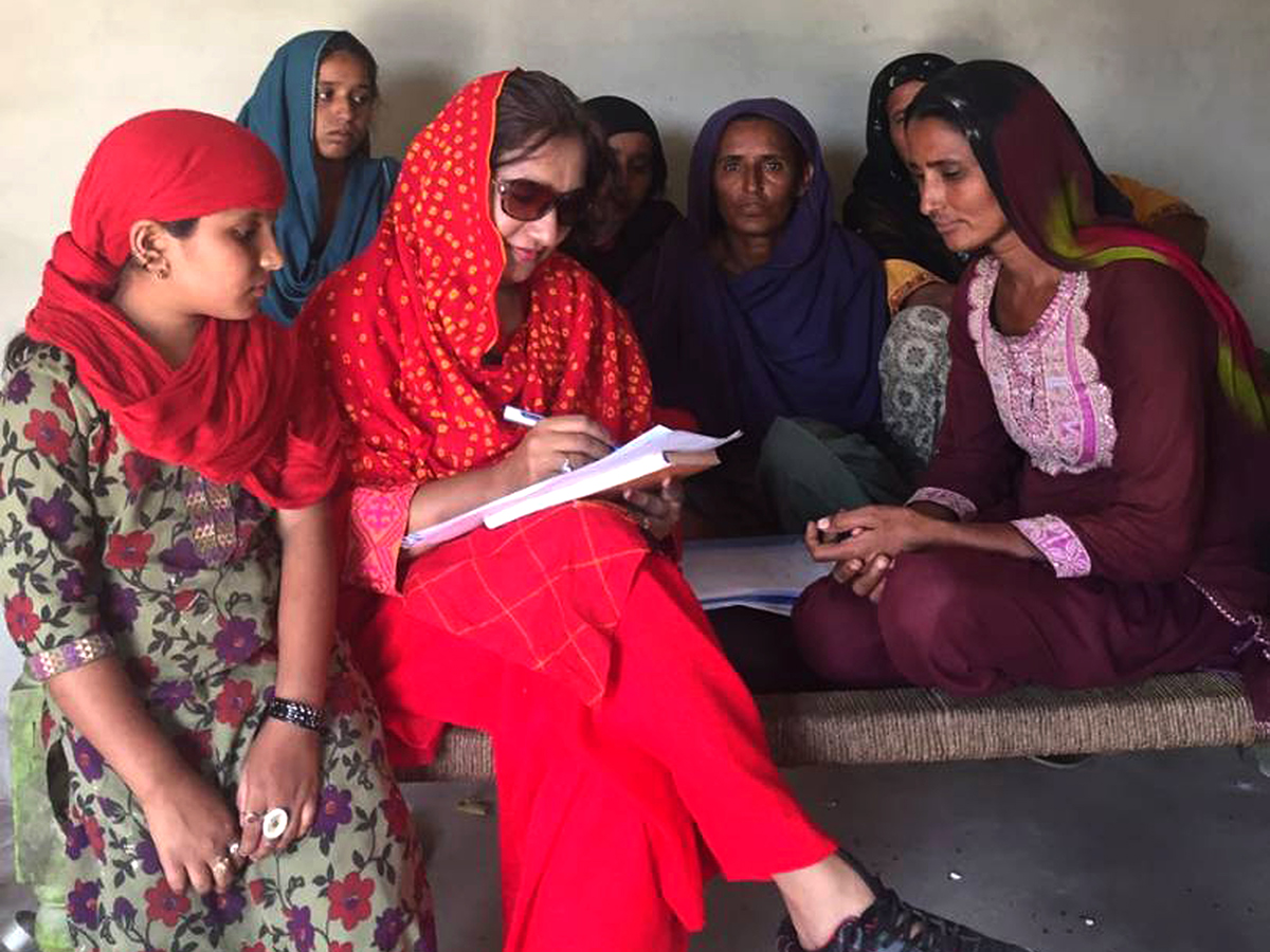 Dr. Shumaila conducts interviews during an outbreak investigation in District Mitari, Province Sindh in March 2017.