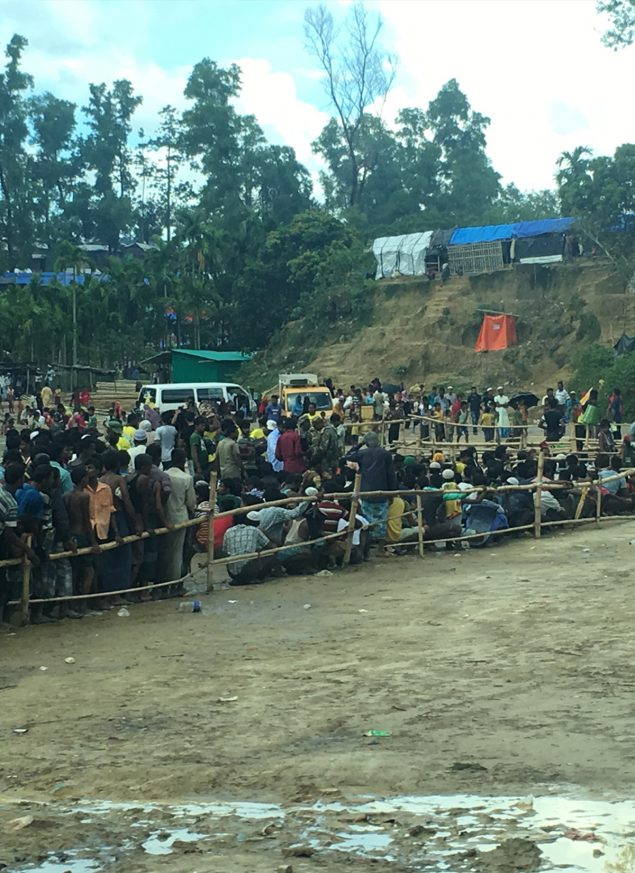 Rohingya food distribution