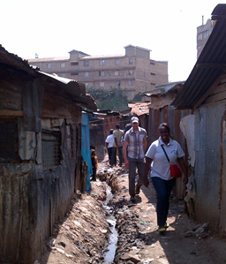 Kenya FELTP residents and CDC staff assisting in cholera response efforts in informal settlements in Nairobi, Kenya