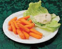 Zanahorias pequeñas con hummus