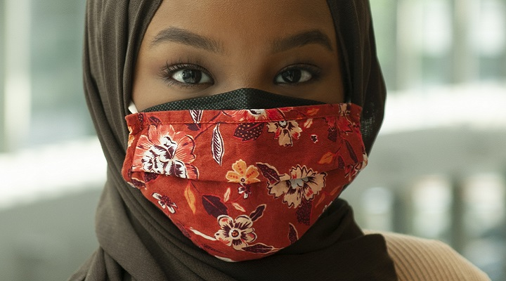 woman wearing mask and hijab
