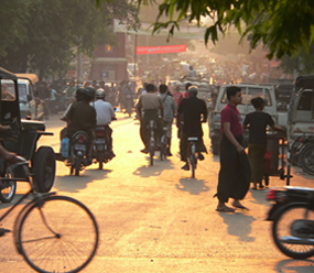 Image of traffic in Mandalay at sunset