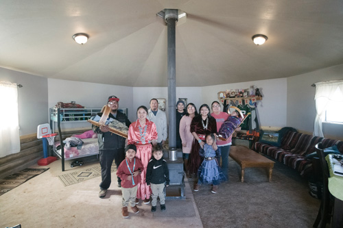 Navajo family, Chinle, Arizona, 2019. Photograph by Kiliii Yuran