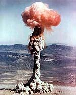 Image of a mushroom cloud from nuclear explosion