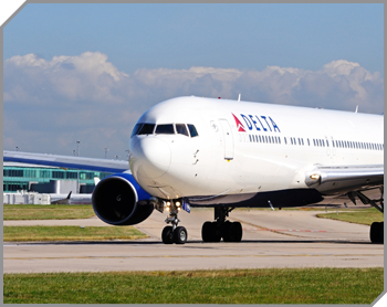 delta plan on a runway in the downtime
