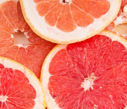 fresh grapefruit and slices