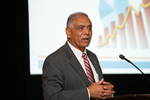 Dr. Mohammed Akhter speaks at Wednesday's plenary session.