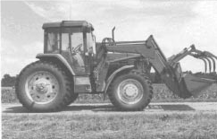 Photo1: tractor with front grapple