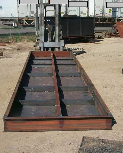 An example of the metal base plate which fell on business owner.
