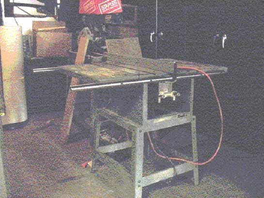 Figure 1. Table saw involved in the incident