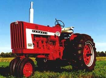 Figure 1. A Farmall 806 tricycle-front-end tractor like the one used in this incident.