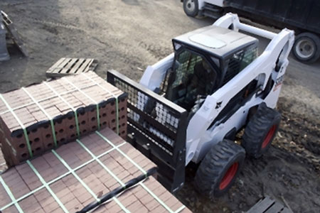 Skid-steer loader similar to the one involved in the incident.