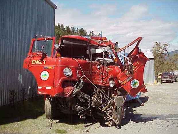 front page photo: Photograph of recovered engine involved in this incident.