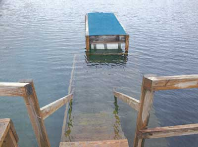 Photo 1. Underwater platform where lights out exercise was performed; also depicts clarity of water in quarry.