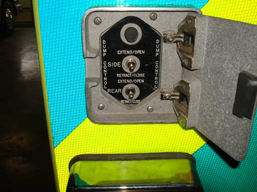discharge control switch