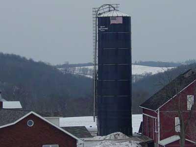 Oxygen limiting silo