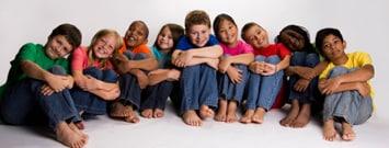 Foto: Un grupo grande de niños