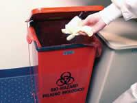 Fotografía de un recipiente destinado a la eliminación de objetos filosos grandes